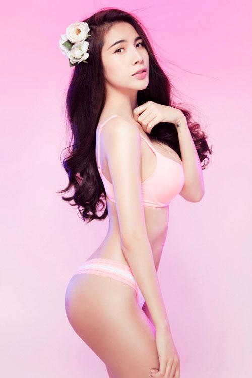 """Những vòng 3 """"ăn tiền"""" nhất của showbiz Việt - 6"""