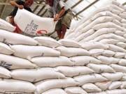 Thị trường - Tiêu dùng - 'Loay hoay' tìm đường tiêu thụ hơn 1 triệu tấn gạo tồn kho