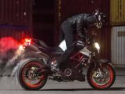 """Thế giới xe - 2017 Aprilia Shiver xuất hiện """"ghênh chiến"""" Ducati Monster"""
