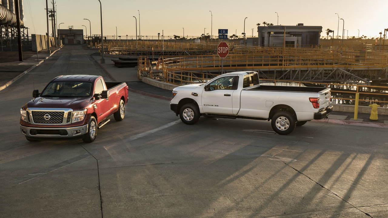 Nissan chính thức chốt giá Titan Single Cab 2017