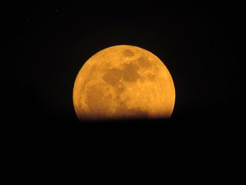 Chiêm ngưỡng siêu trăng lớn nhất trong 68 năm tại Việt Nam