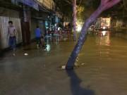 Tin tức trong ngày - Nửa đêm, quận 1 bỗng thành sông