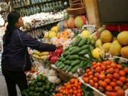 Thị trường - Tiêu dùng - Nhập 120 ngàn tấn trái cây TQ về ăn: Dư lượng hóa chất ở mức an toàn!