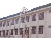 Tin tức trong ngày - Sập cần cẩu ở Nghệ An: Nhiều học sinh hoảng loạn