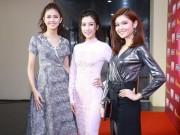 Thời trang - Mỹ Linh đọ váy áo gợi cảm cùng 2 nàng Á hậu quyến rũ