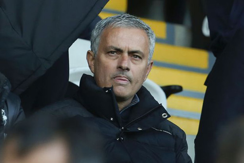 Tin bóng đá sáng 17/11: Mourinho bị phạt trước đại chiến với Arsenal
