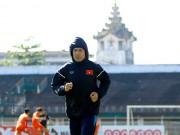 Bóng đá - Tin nhanh AFF Cup: ĐTVN tập kín, HLV Hữu Thắng cấm cửa báo chí