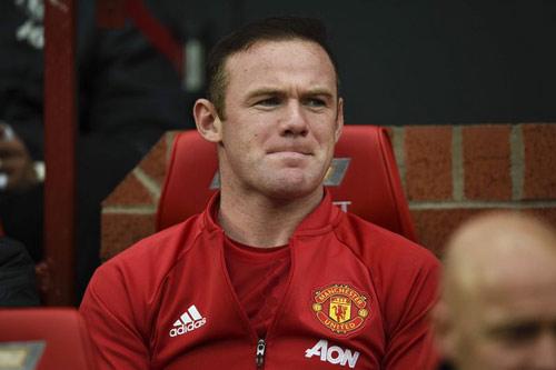 Đại chiến MU – Arsenal: Rooney và phận người thừa