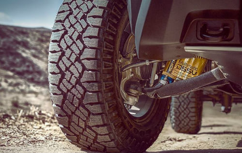2017 Chevrolet Colorado ZR2 xuất hiện, dọa nạt Ford F-150 Raptor - 2