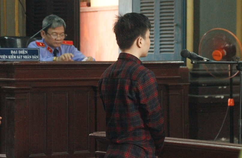 Lãnh án vì quan hệ với ba chị em ruột dưới 16 tuổi