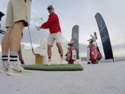 Thể thao - Đánh golf siêu phàm: 1 gậy trúng lỗ ở độ cao 500m