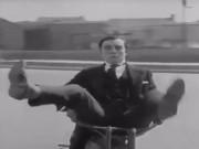"""Video Clip Cười - Clip hài: Khi cao thủ trổ tài... """"tổ lái"""""""
