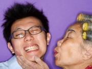 Truyện cười - Truyện cười: Hết hồn mỗi lần lấy lòng mẹ vợ tương lai