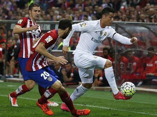 """Real đá derby Madrid: """"Cột chống trời"""" Ronaldo"""