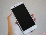 """Dế sắp ra lò - Trên tay HTC Bolt: Thiết kế nam tính, cấu hình tầm """"thường"""""""