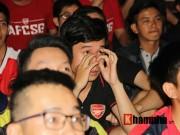 """Bóng đá - """"Xé nát"""" lưới MU cuối trận, fan Arsenal bật khóc nức nở"""