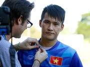 """Bóng đá - Công Vinh nói tiếng Anh """"như gió"""" với phóng viên quốc tế"""