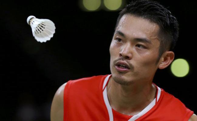 """Lin Dan lại lừa dối vợ, Lee Chong Wei """"dạy dỗ"""" sao trẻ"""