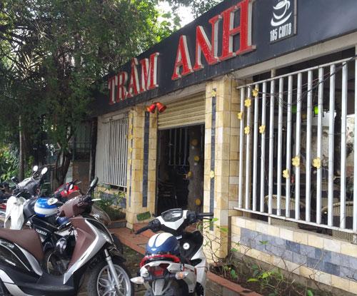 Trộm đột nhập quán cà phê, hiếp dâm chủ quán - 1