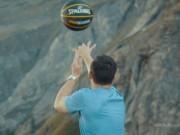 Thể thao - Cạn lời khen với cú ném trúng rổ từ trên... núi
