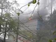 Tin tức trong ngày - Cháy quán Karaoke do hàn xì, cả phố 'đau tim'