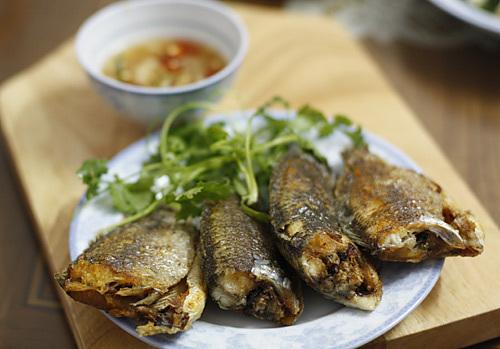 Ngày lạnh, làm 5 món vừa ngon vừa rẻ từ cá rô đồng - ảnh 1