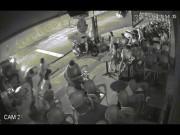 An ninh Xã hội - Côn đồ đánh khách, đập tanh bành quán cà phê ở SG