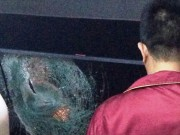 Tin tức trong ngày - Tái diễn nạn ném đá xe khách trên Quốc lộ 20