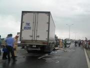 Tin tức trong ngày - Tai nạn liên hoàn, cô gái 22 tuổi bị ô tô tông tử vong