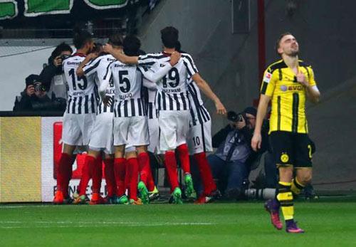 Frankfurt - Dortmund: Đang xung bỗng xịt - 1
