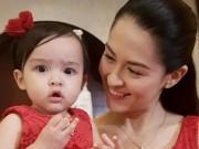 Phim - Người đẹp số 1 Philippines rạng ngời mừng con gái 1  tuổi