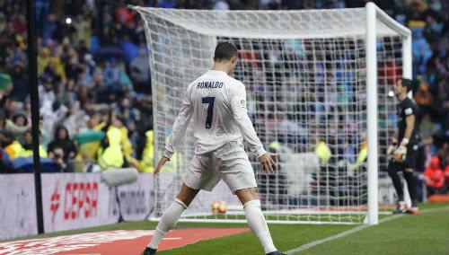 """Ronaldo """"vào phom"""": Real vỗ ngực chờ Siêu kinh điển"""