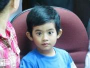 Sức khỏe đời sống - Bé trai bị cọc sắt đâm thủng tim, phổi hồi phục kỳ diệu