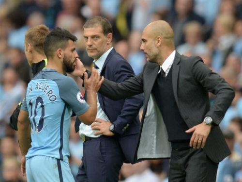 """Man City, Pep """"nắn gân"""" Aguero: Đừng nghĩ mình là số 1"""