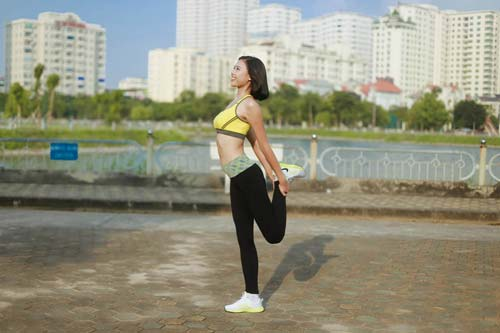 Người đẹp Đào Thị Hà luyện dáng sexy mà chẳng cần gym - 4