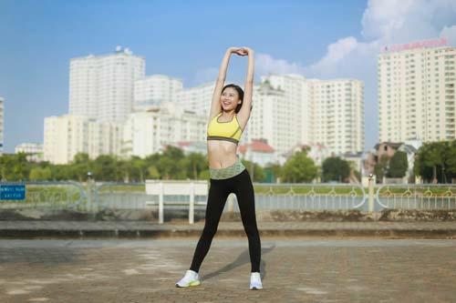 Người đẹp Đào Thị Hà luyện dáng sexy mà chẳng cần gym - 5