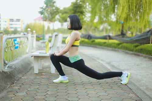 Người đẹp Đào Thị Hà luyện dáng sexy mà chẳng cần gym - 3
