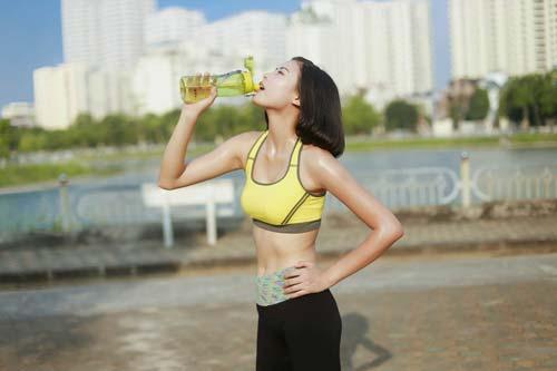 Người đẹp Đào Thị Hà luyện dáng sexy mà chẳng cần gym - 10