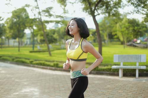 Người đẹp Đào Thị Hà luyện dáng sexy mà chẳng cần gym - 9