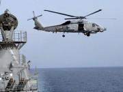 Thế giới - Tàu chiến Iran chĩa súng vào trực thăng Mỹ