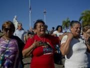 Thế giới - Dân Cuba nghẹn ngào từ biệt lãnh tụ Fidel Castro