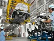Thị trường - Tiêu dùng - Tranh cãi vì thuế ô tô lên đến cả tỉ đồng