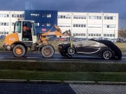 Tin tức ô tô - Siêu xe Bugatti Chiron đầu tiên gặp nạn