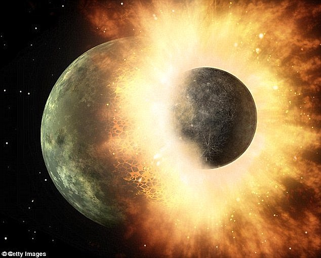 Mặt trăng từng chứa nhiều nước hơn Trái đất - ảnh 1