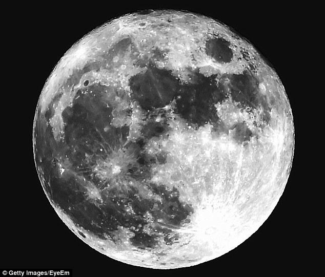 Mặt trăng từng chứa nhiều nước hơn Trái đất - ảnh 2