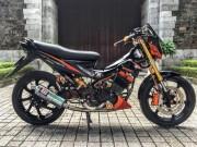 Xe máy - Xe đạp - Xế nổ Suzuki Rider 150 độ loạt hàng hiệu đắt tiền trên xe