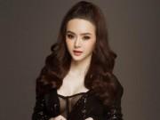 Thời trang - Đường cong tuổi 19 của em gái Angela Phương Trinh
