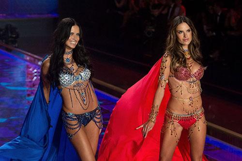 Cận cảnh loạt nội y cực xa xỉ trong lịch sử Victoria's Secret - 3