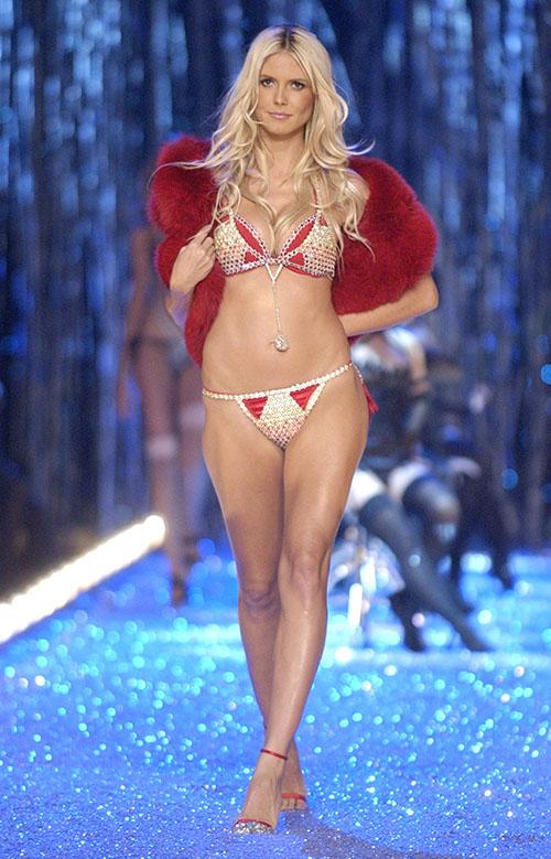 Cận cảnh loạt nội y cực xa xỉ trong lịch sử Victoria's Secret - 14