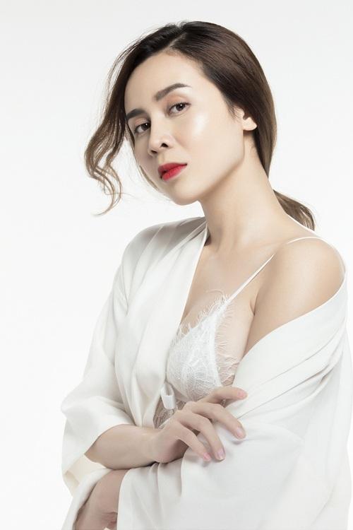 Lưu Hương Giang đẹp ngỡ ngàng sau phẫu thuật thẩm mỹ - 3